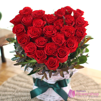 Red rose heart shape online to vietnam